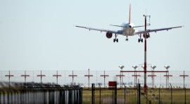 20120720_PLANE_jet_landing