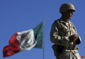 20130327_mexico-army-_LARGE