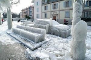 ice-storm-street
