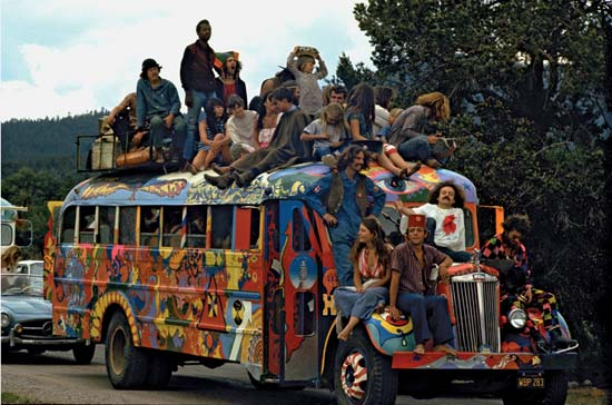 FSM_20131129_hippy_commune_large