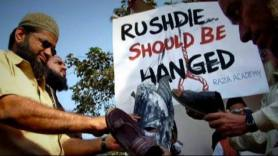R-TV_SalmanRushdie_Protest