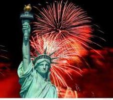 MN-GG_StatueOfLiberty_Fireworks_6714599