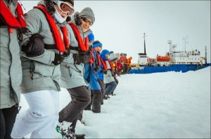 Antarctica-Icebound-Ship-16