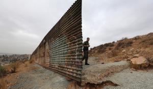 20141115_illegalsusa_MexicanBorderLARGE
