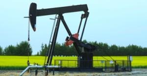 An oilfield lease in rural Alberta, Canada (Photo: LJM Photo/Newscom)