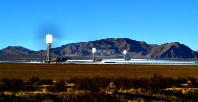 The $2.2 billion Ivanpah solar thermal plant in California. (Photo: Flickr / Atomic Hotlinks / CC BY-NC-ND 2.0)