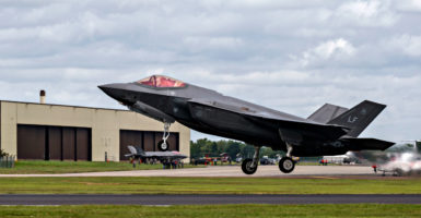 Seasoned Air Force fighter pilots are high on the F-35A Lightning II, a Heritage Foundation study shows. (Photo: David Osborn /Photoshot/Newscom)